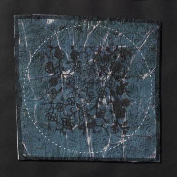 RITAGLIARE LUNGO LA LINEA TRATTEGGIATA 15 - filo di cotone su carta intelata - cm 19x19 - 2021