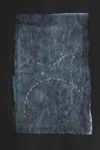 RITAGLIARE LUNGO LA LINEA TRATTEGGIATA 6 - filo di cotone su carta intelata - cm 12x19 - 2021